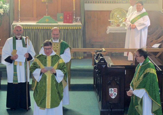 The Rector presents The Reverend Dr Michael Hull to the Bishop of Edinburgh