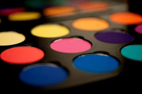 Shop-for-inglot-cosmetics-and-get-free-Makeup-Palettes_4