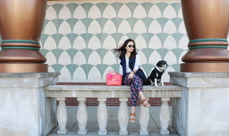 preppy spring look, vionic shoes