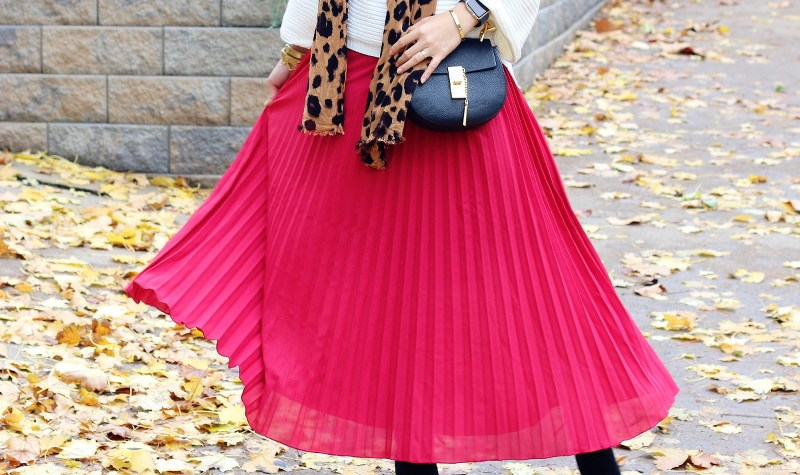 Rose Wholesale Red pleated skirt, leopard scarf, chloe mini drew bag