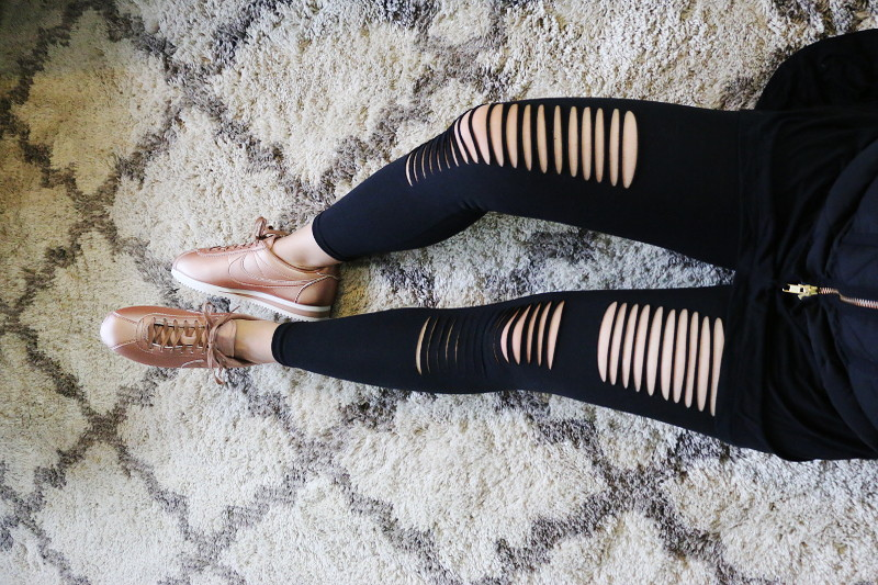 winter workout, ripped leggings, rosegold Nike cortez sneakers