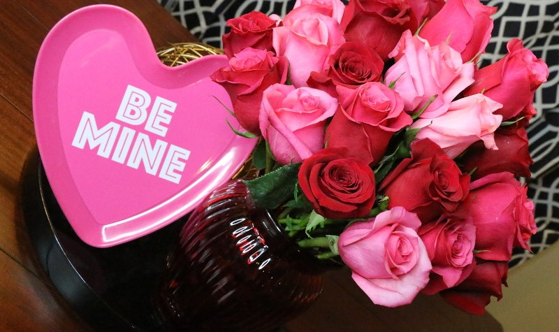 Valentines Day, heart, be mine, roses, bouquet, flowers, 1-800-Flowers.com