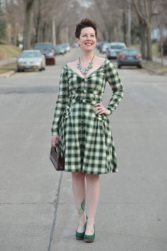 greenplaiddress_outfit