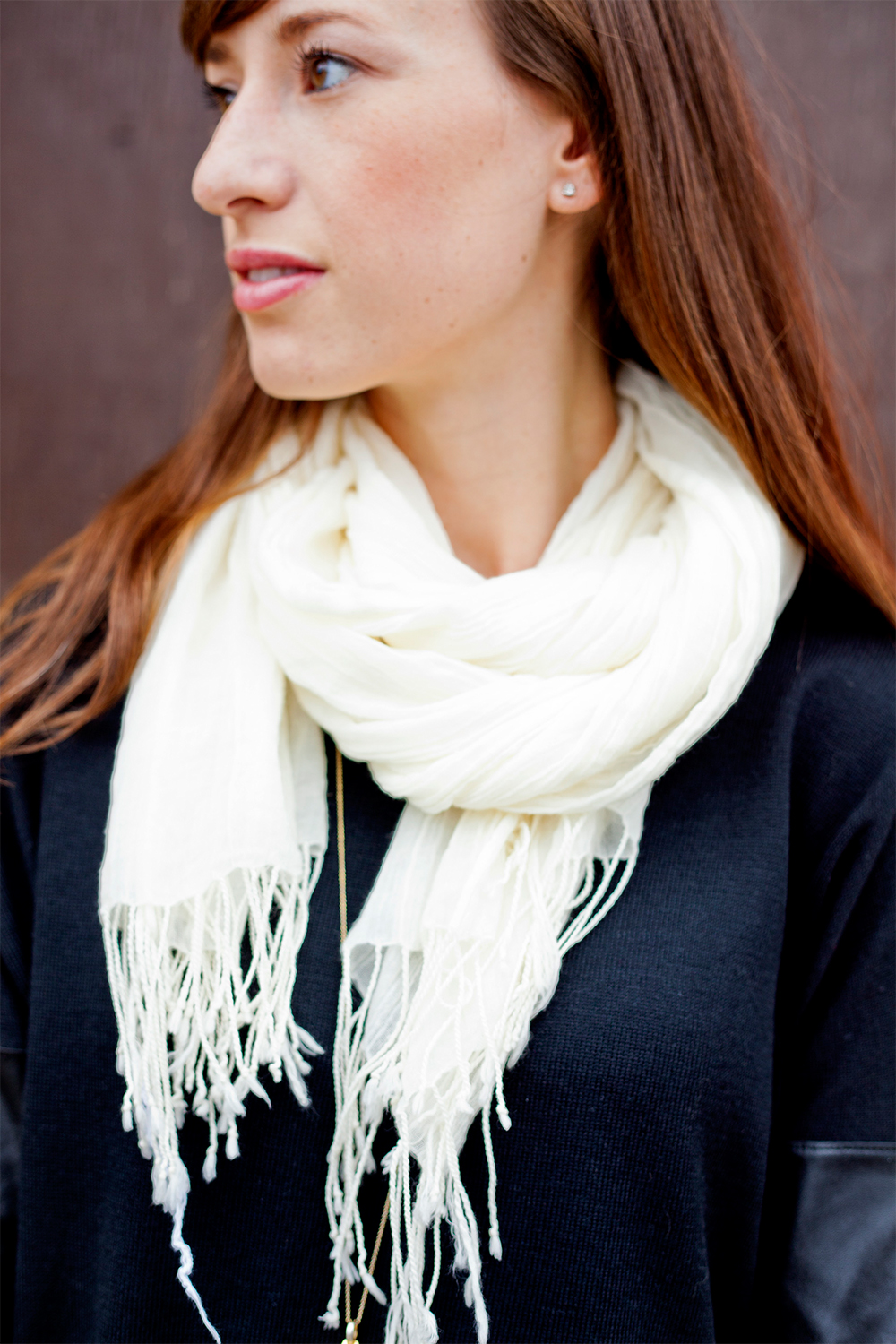 Style Bee in a white scarf.