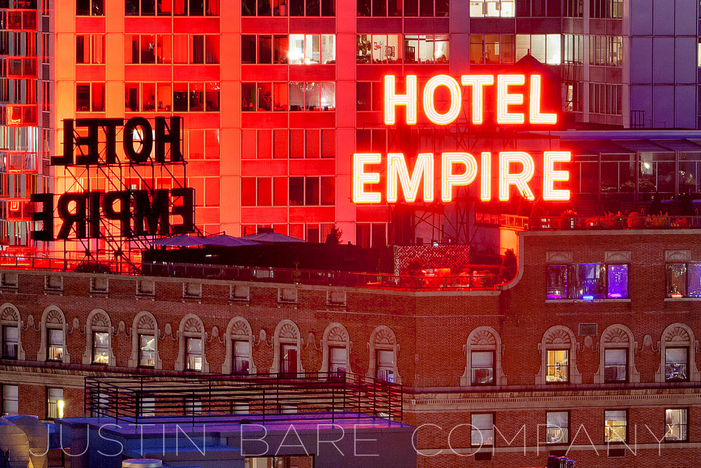 where to stay-the empire hotel-at-new york-lifestyle-travel-travel blog-cool-music-famous-landmark-Manhattan-style by nomads-stylebynomads