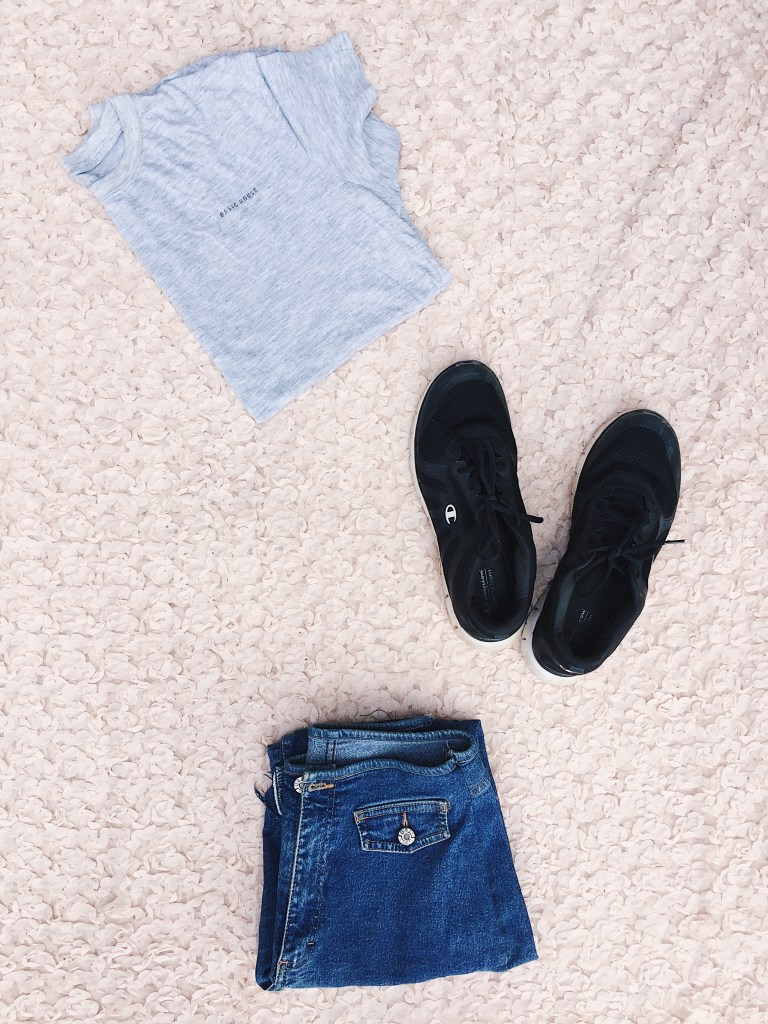 Denim and Plain tee for minimalist style