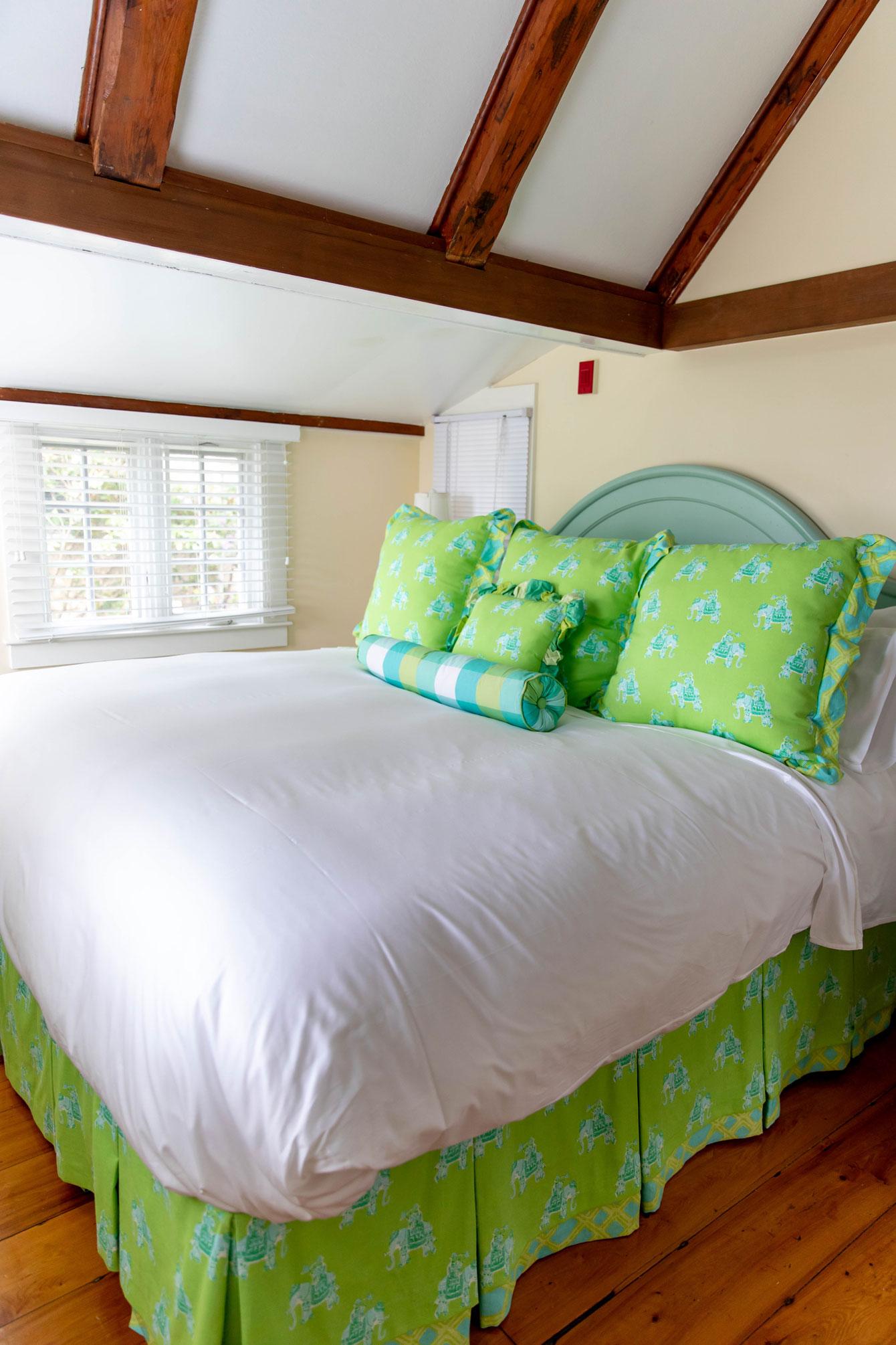 Lilly Pulitzer Cottage White Elephant Nantucket  Style