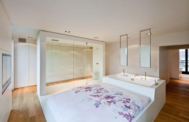 Bijzonder deze ruimte is een slaapkamer toilet en