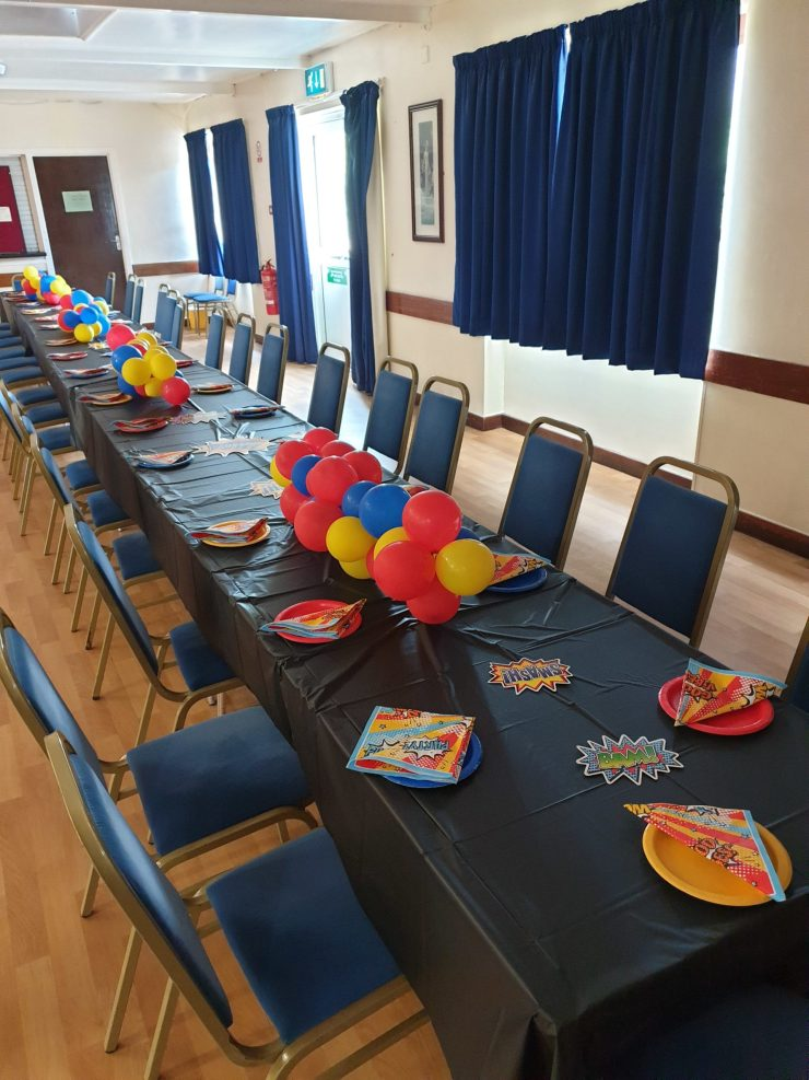 Superhero Party set up and balloons