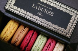 Laduree Opens in Toronto