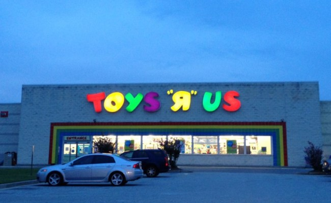 Toys R Us Is Closing U S Stores Can Canadian Stores
