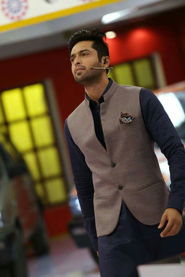 Fahad Mustafa Wearing Wasket Fashion