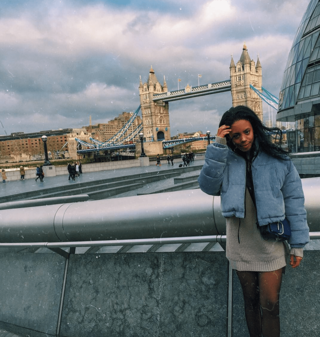 blue corduroy urban outfitters puffer, tower bridge