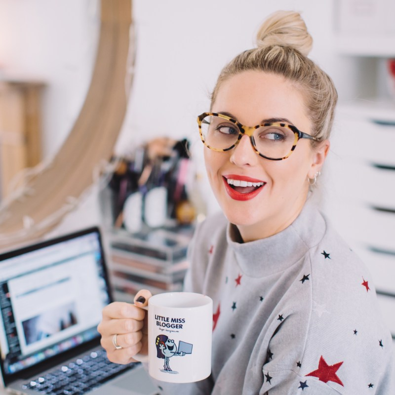 HOW & WHY I WENT FULL TIME AS A BLOGGER