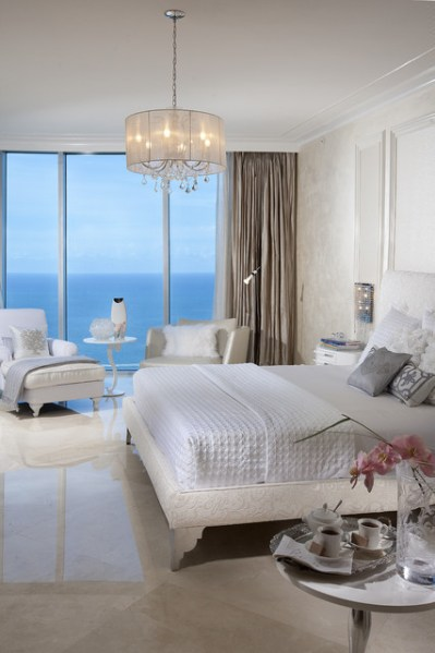 modern bedroom with ocean view 20 Master Bedrooms with Breathtaking Ocean View - Style