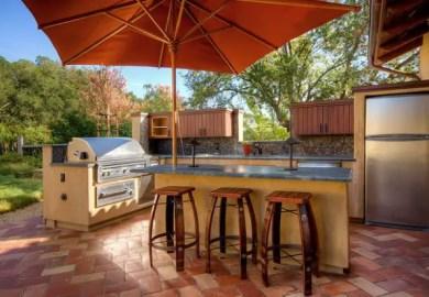 Modern Outdoor Bar Ideas