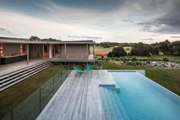 17 Impressive Modern Pool Deck Design Ideas