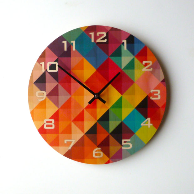 17 Inspirational Handmade Wall Clock Ideas That You Can Express Yourself With