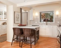 17 Functional Small Kitchen Peninsula Design Ideas - Style ...