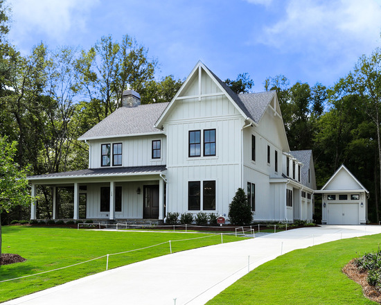 16 Bright and Airy Modern Farmhouse Exterior Design Ideas Surrounded by Nature