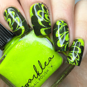 Go Yellow, Go Bold: 18 Great Nail Art Ideas