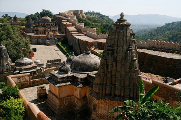 Kumbhalgarh-or-The-Great-Wall-of-India-4
