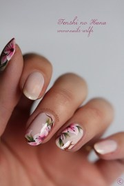 sweet flower nail design
