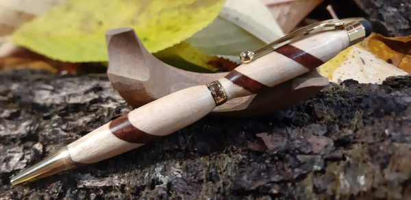 Stylo bille en bois de tilleul et bubinga avec embout tactile