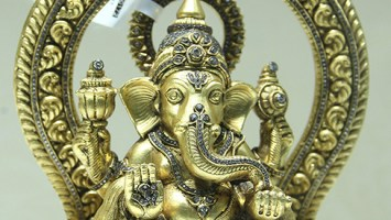 ord Ganesha In Gold Studded With Diamonds- Mamraj Mussaddilal Jewellers.