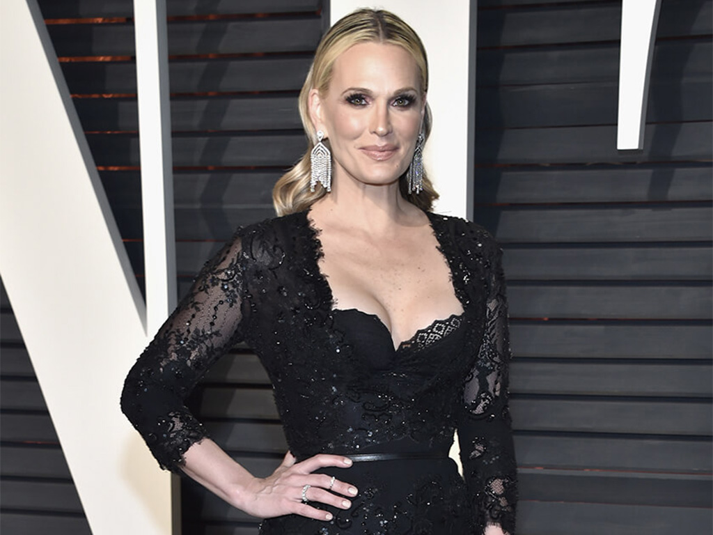 "Molly Sims Don ""Rain Drops"" Danglers Designed By Orra And Encrusted With Forevermark Diamonds At The 2017 Vanity Fair Oscars After Party"