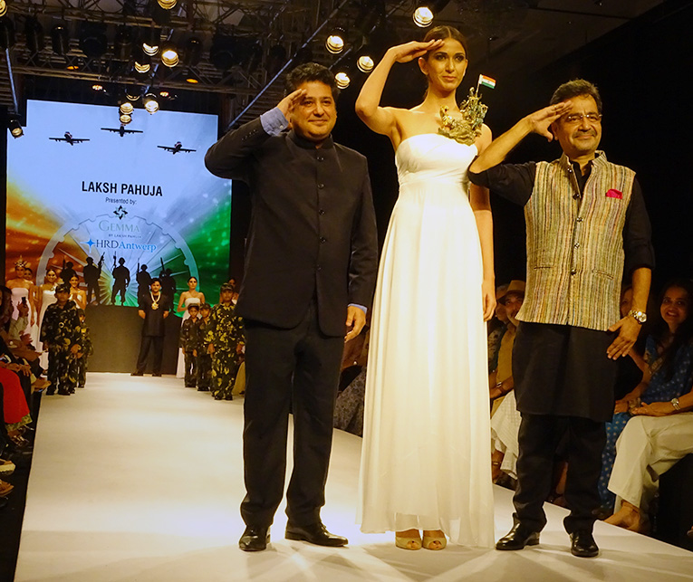 "Laksh Pahuja's The Design Maestro, Presented By HRD Antwerp Pays Tribute To Eminent Leaders And Iconic Personalities Of India Through His One-Of-A-Kind Out Of The Box Jewellery At IIJW 2017. The Model Here Is Wearing A ""Bharatnam"" Necklace Inspired From ""Rally Of River Movement"" PC- HRD Antwerp"