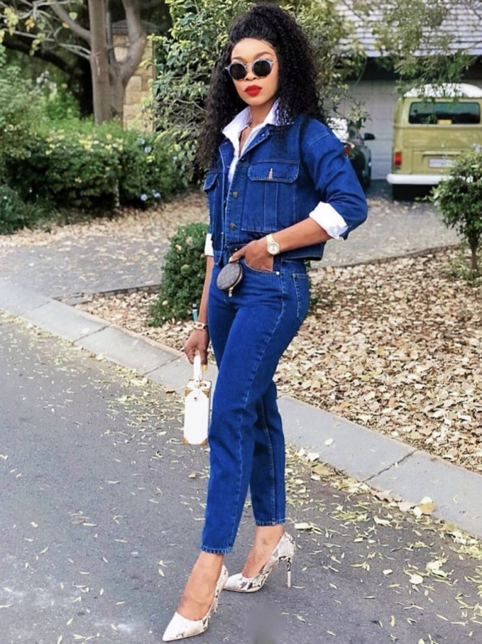 Sazi_Hills deep blue denim on denim white shirt snakeskin pumps