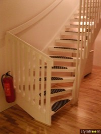 Ideas for Open Stairs (no risers)