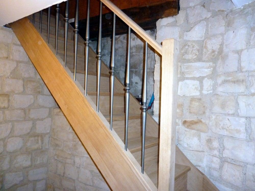Styl'escalier : Gamme Tradition escalier chêne avec rampe balustres fer