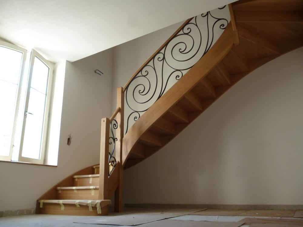 Styl'escalier : Gamme Prestige escalier chêne ensemble avec ferronnerie d'art