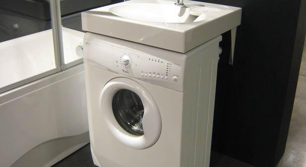lave linge dans la salle de bains