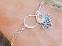 Latest Christmas Jewelry Gift Ideas for Her/ Xmas Jewelry Trends images 15