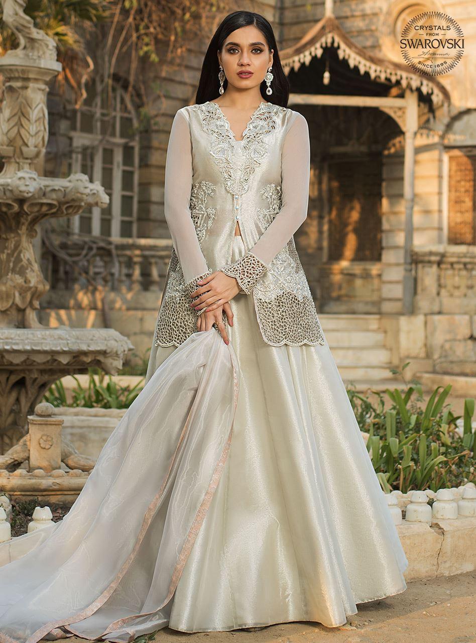 Latest White Dresses Trends Shalwar Kameez Fashion 2021-2022