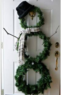 Christmas Wreath Decorating Ideas and Trends with Tutorials