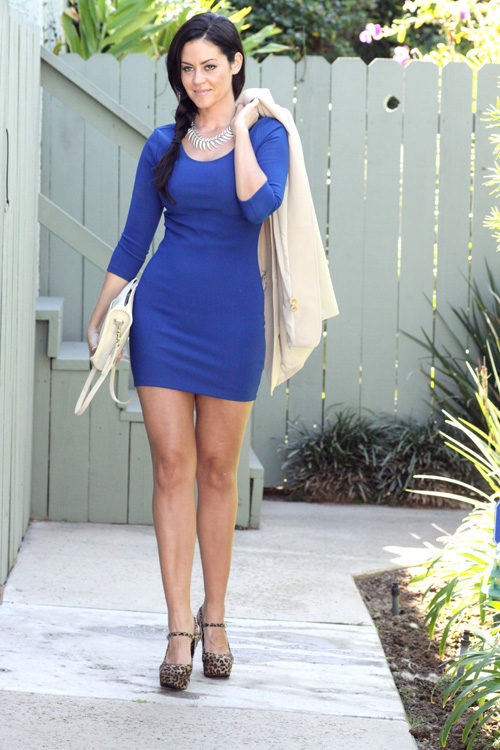 What Color Shoes To Wear With Blue Dress