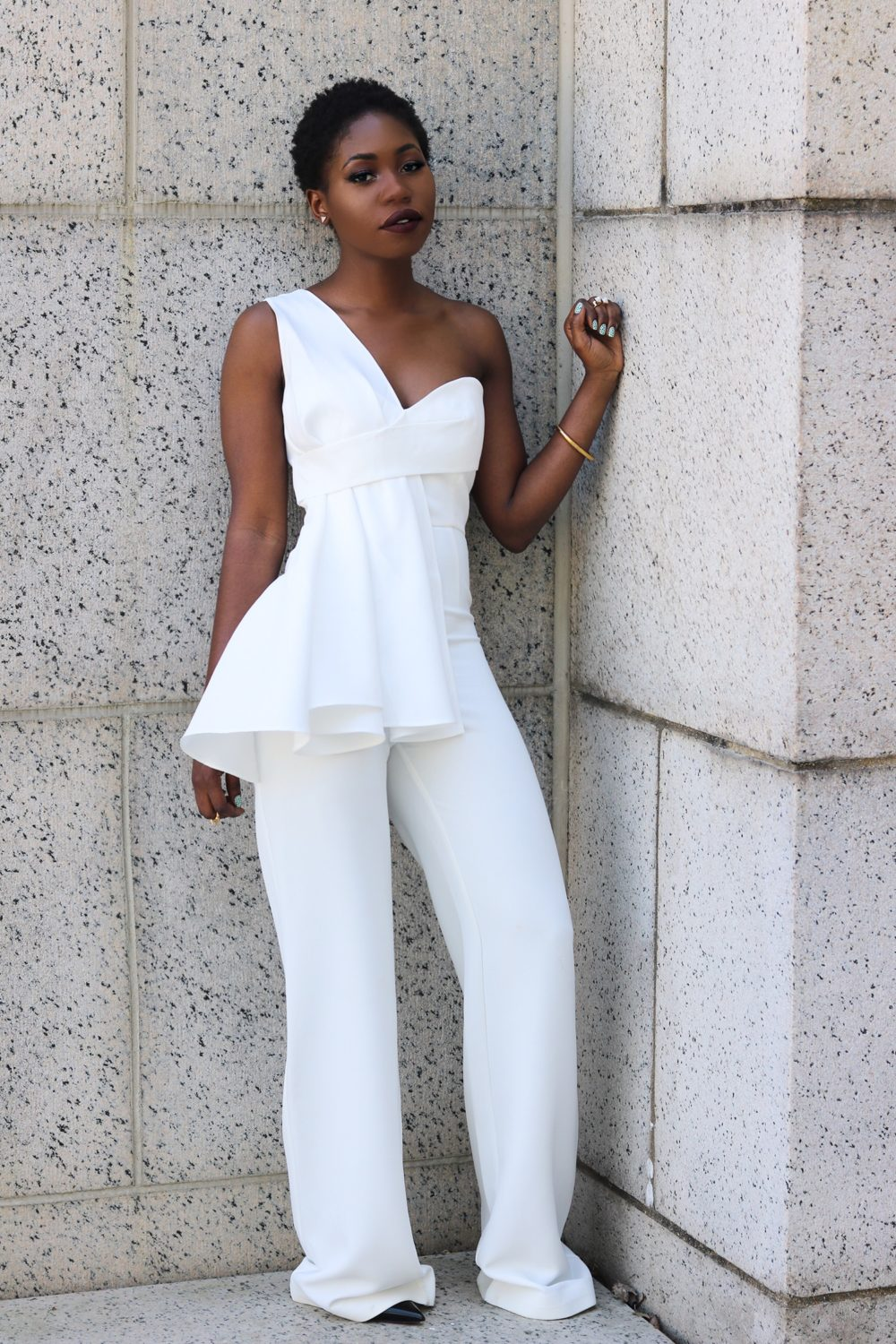 style synopsis white formal look