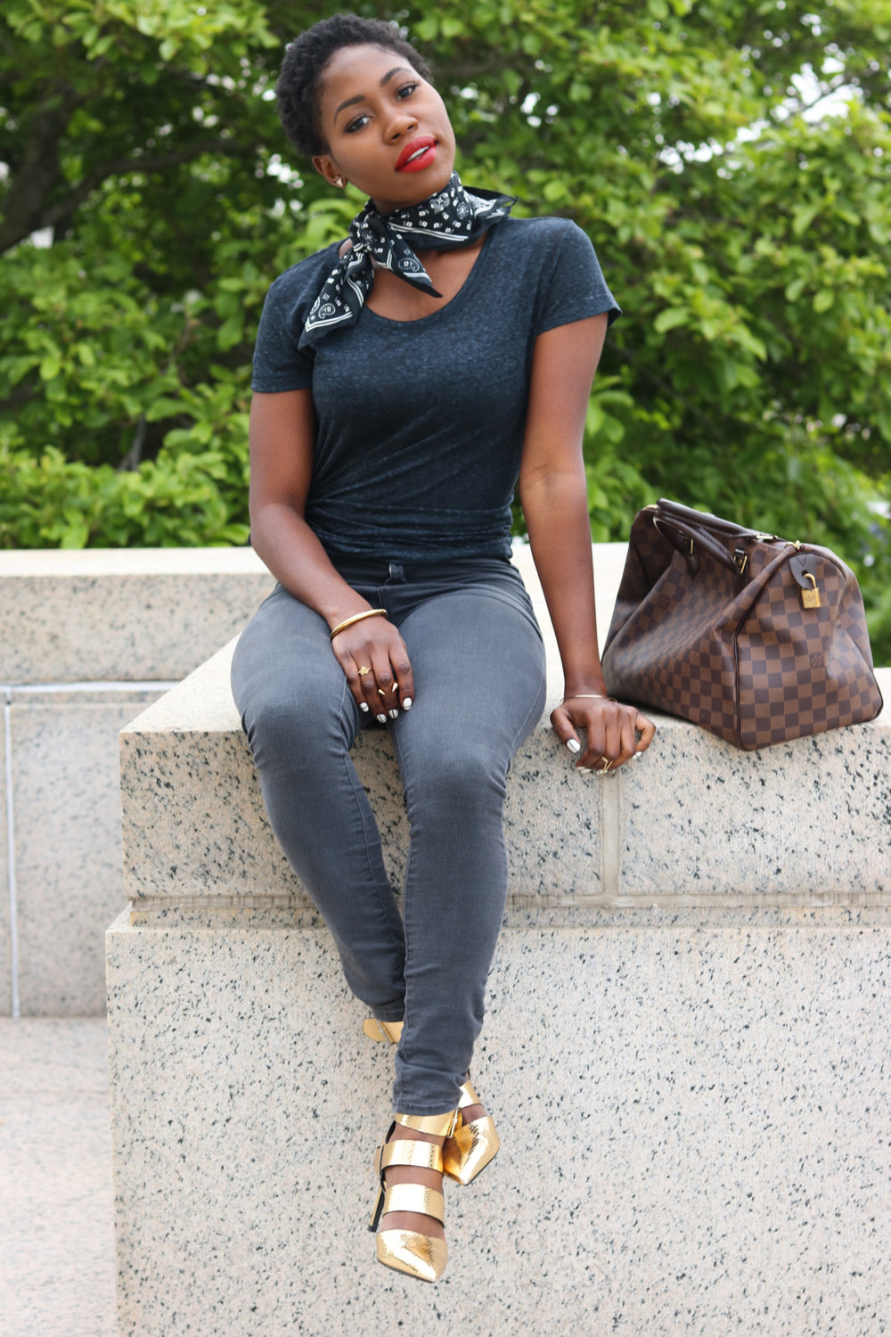 style synopsis laid back look