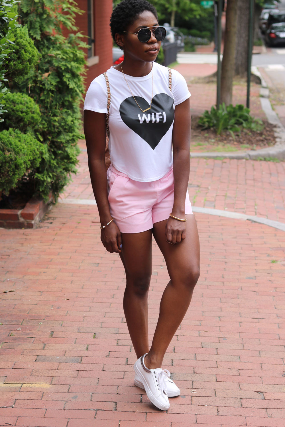 style synopsis casual in pink