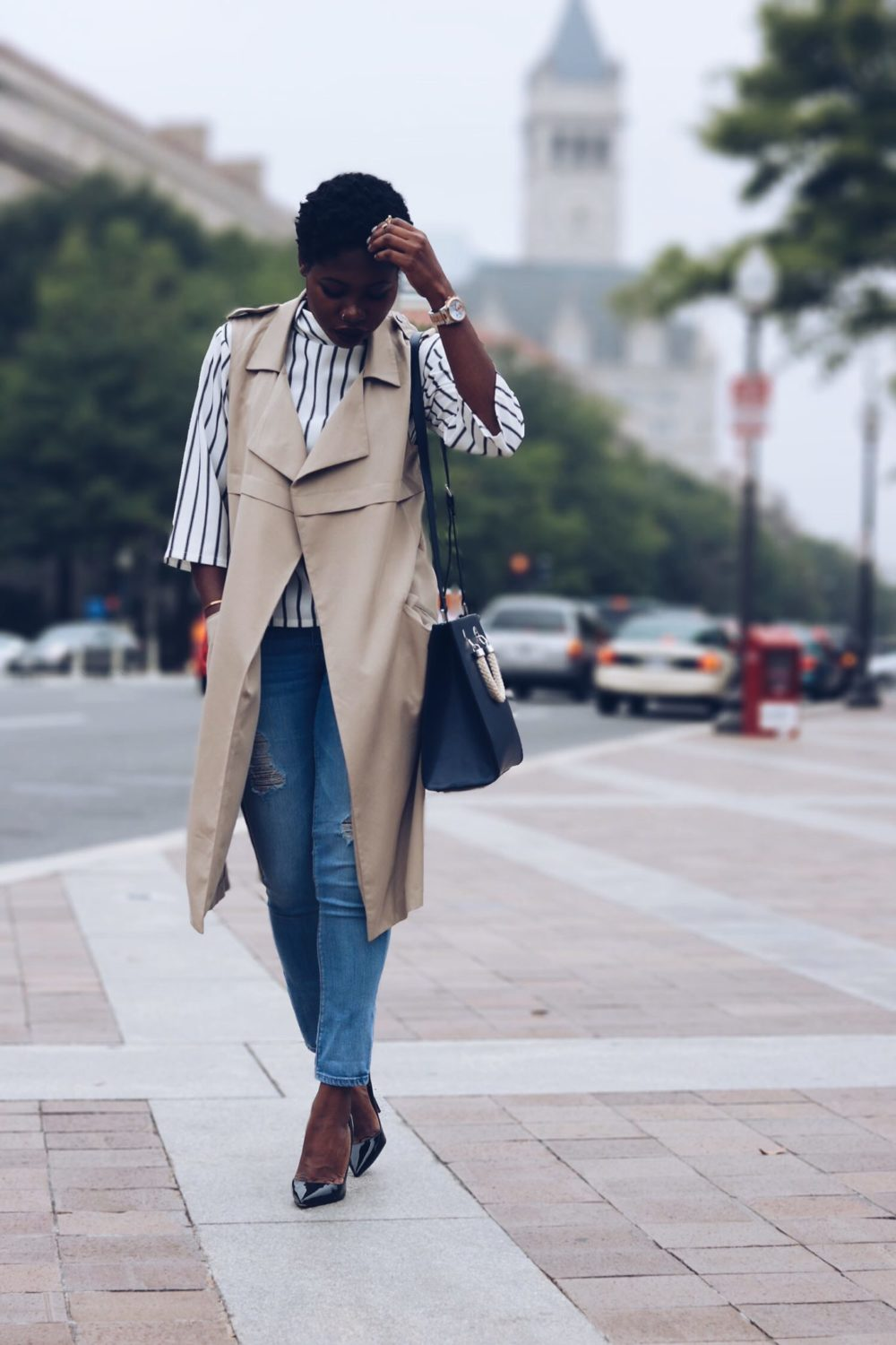 style synopsis-duster-vest-denim-jeans-fall-look