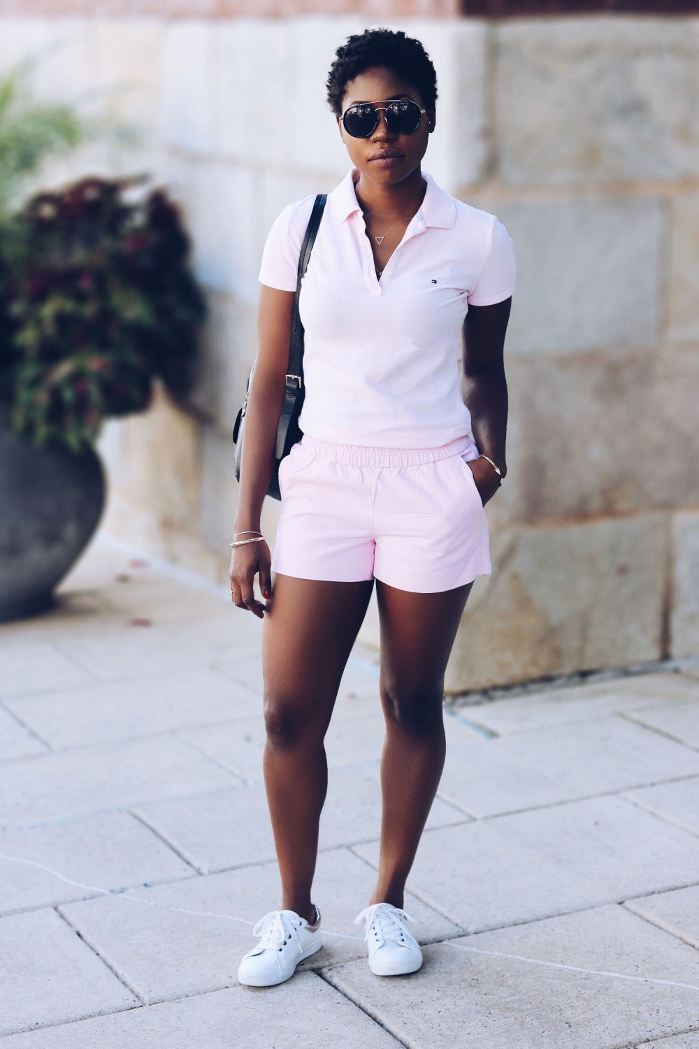 stylesynopsis-polo-shirt-sneakers-look