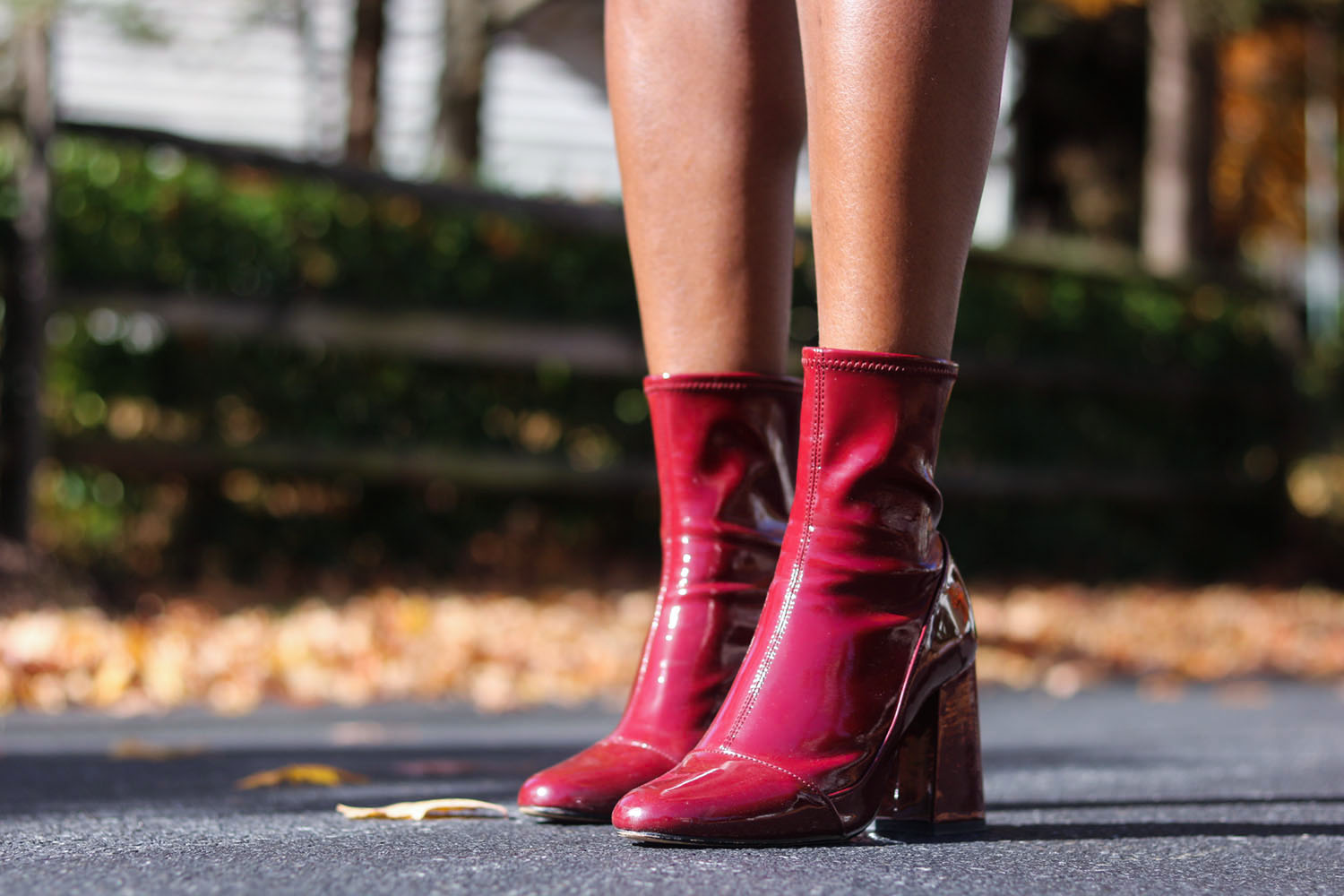 style-synopsis-red-ankle-boots