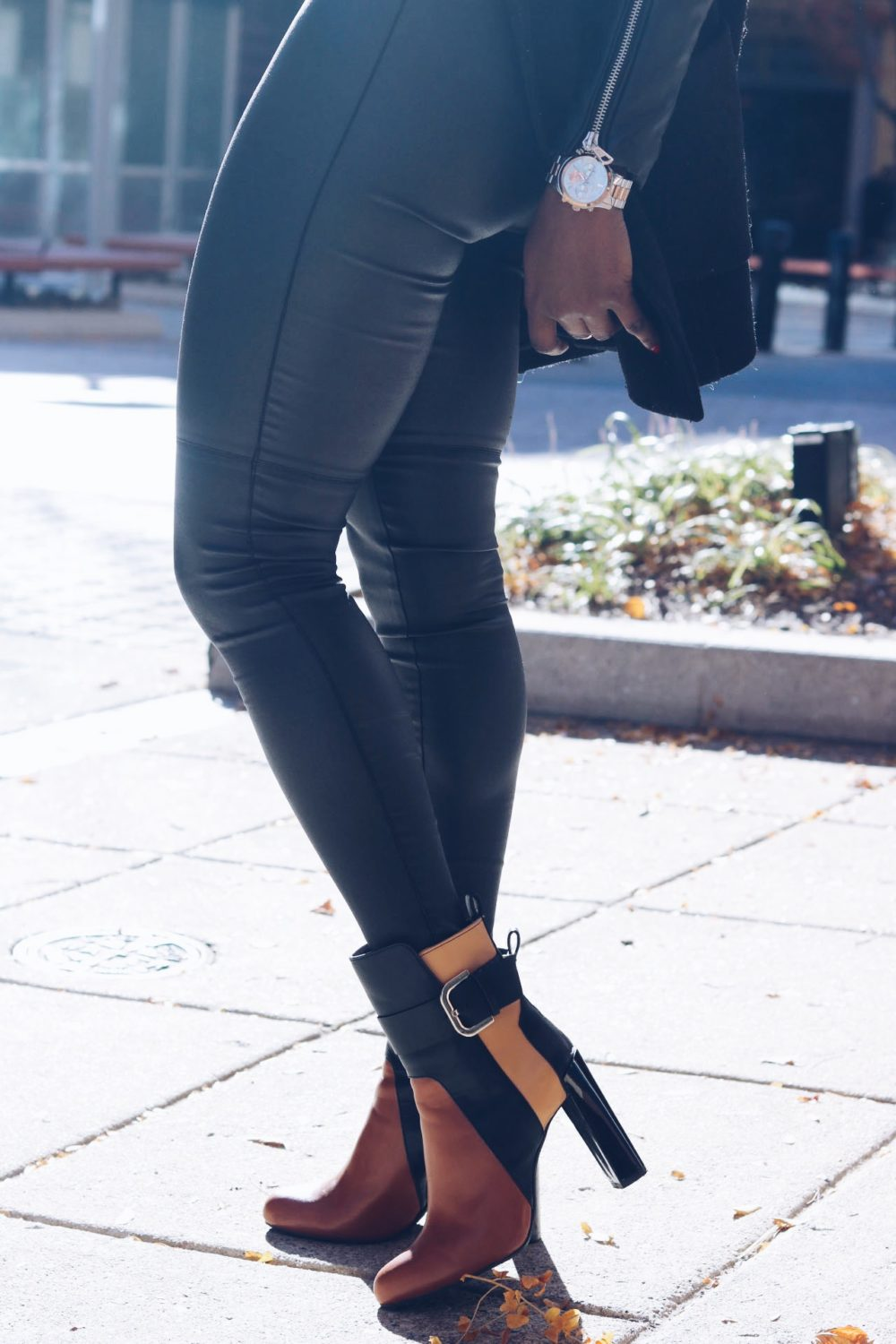 style-synopsis-contrast-boots