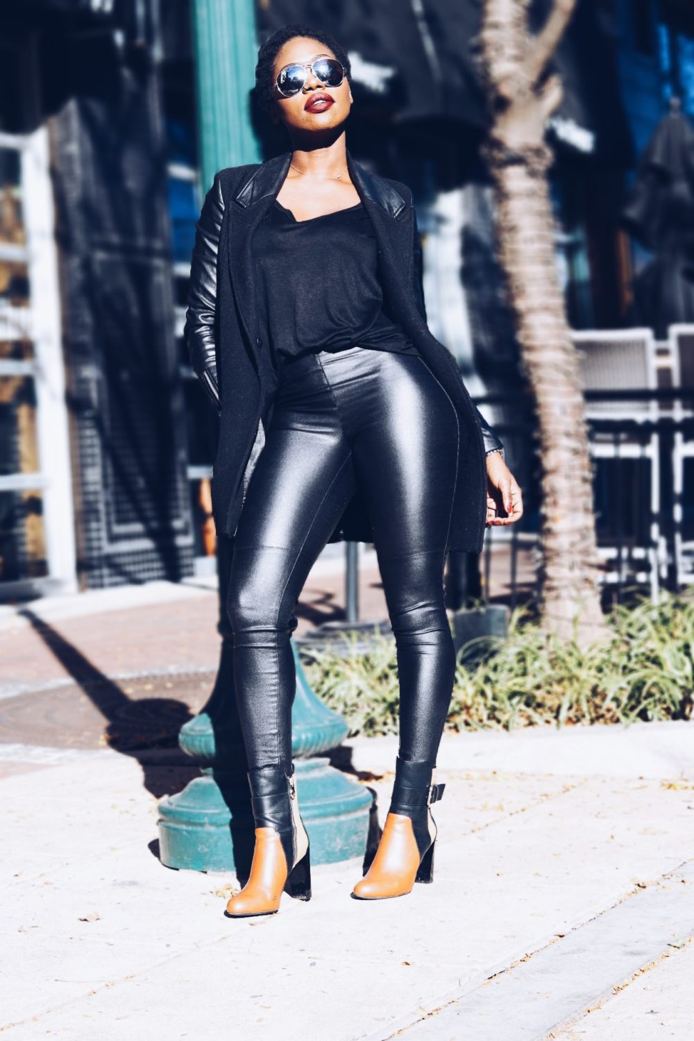style-synopsis-black-coat-contrast-ankle-boots