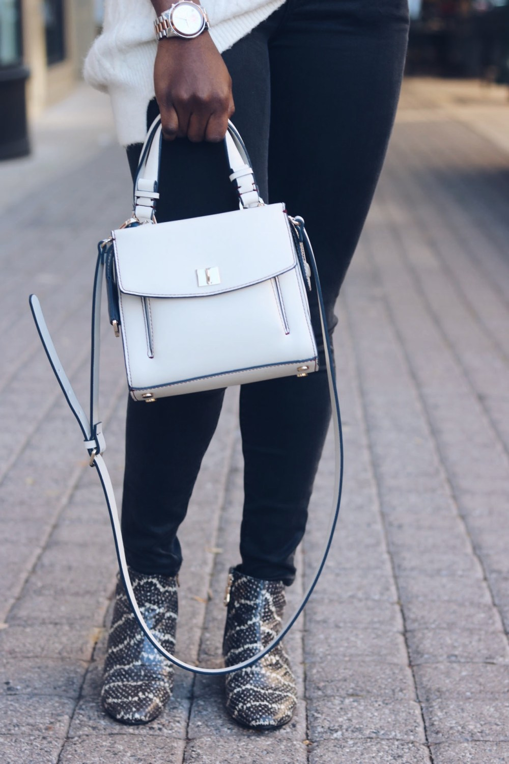 style-synopsis-mini-cross-bag-snake-skin-boots