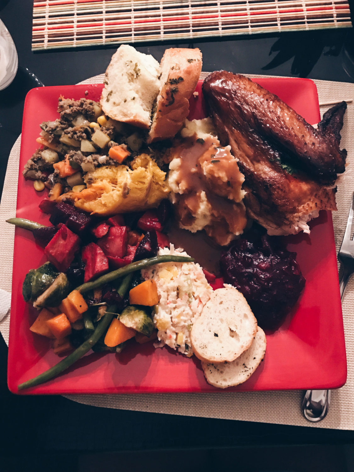 style-synopsis-thanksgiving-dinner